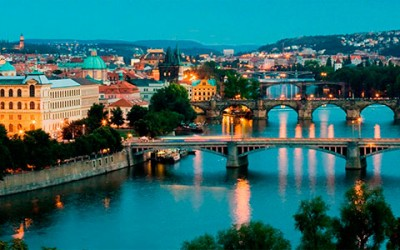 Foto nocturna de Praga
